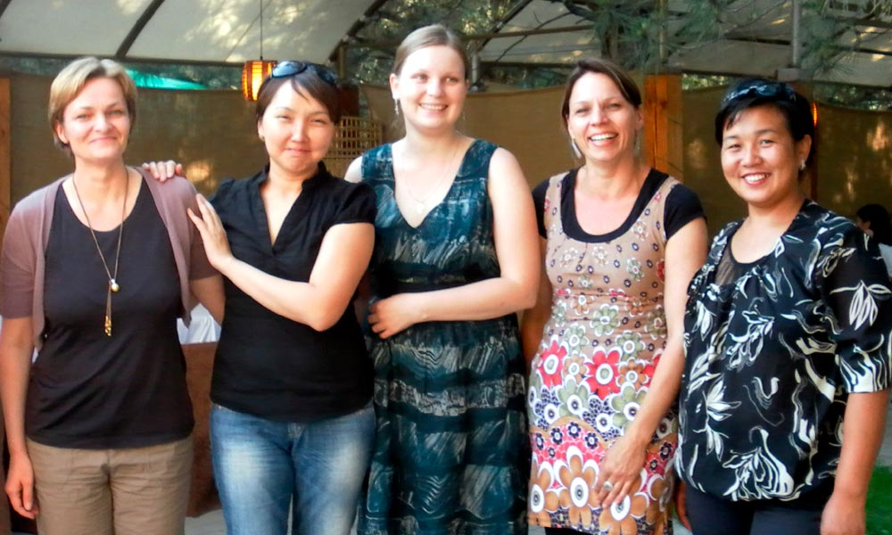 Maren Ernst, Nazgul Suleimanova, Natalia Yatsenko, Cornelia Hewitt-Geiser and Burul Shamyrkanova (from left to right)